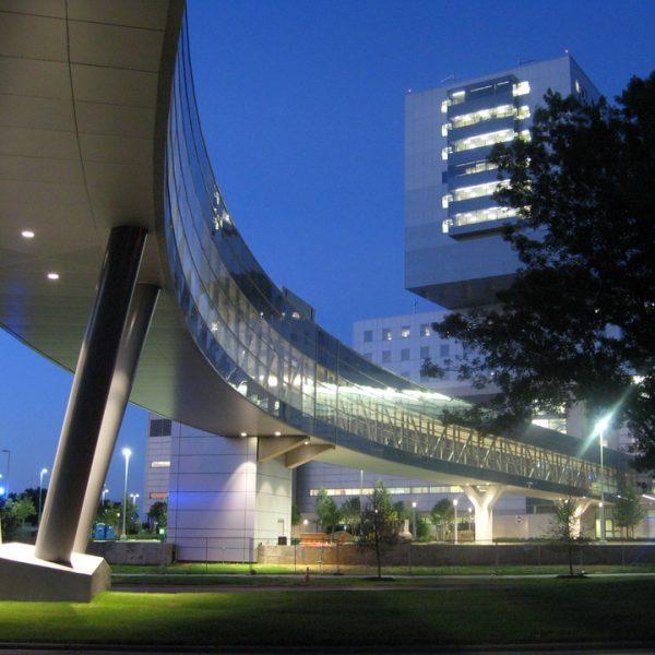 05-Parkland Hospital - Connecting bridges